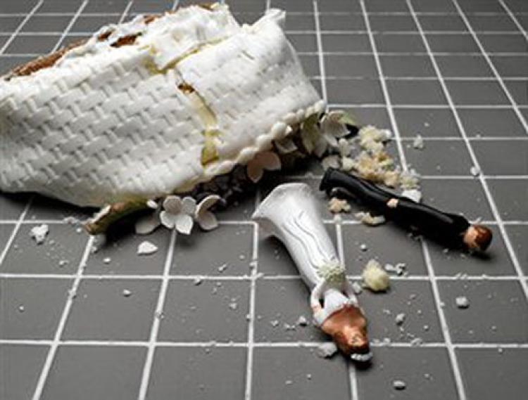 Damaged wedding cake